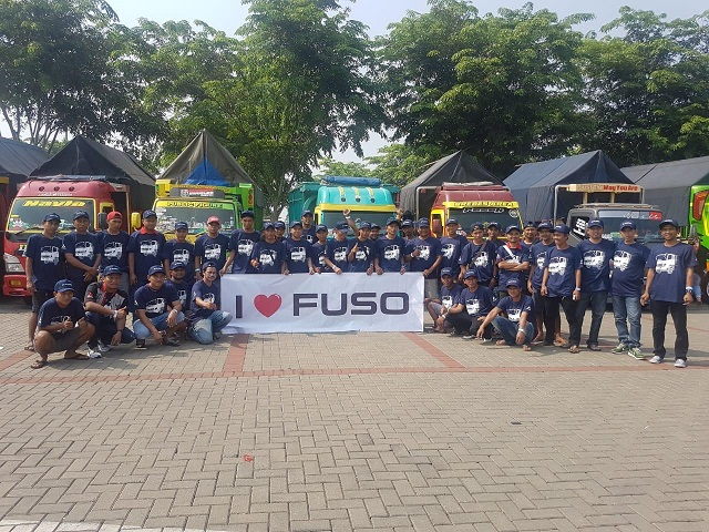 Canter Mania Indonesia Community Ikut Meramaikan Booth FUSO di GIAAS 2019